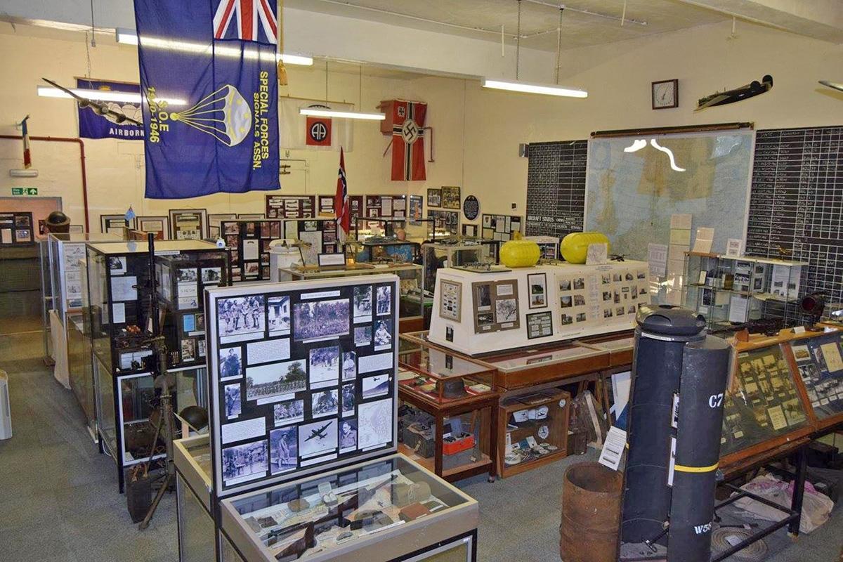 NorthamptonshireCarpetbagger-Aviation-Museum-Harringtoninterior